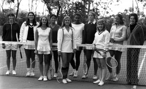 Dowd (far right) with the 1974 Women's Tennis Team